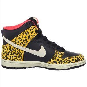 Nike Women's Dunk High Skinny Leopard